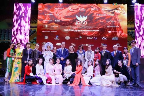 giang vien FPT Poly K-Beauty dat giai vang tai International Beauty Contest 2019
